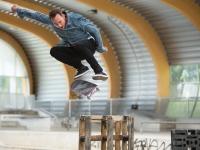 Skateboarder am Pragfriedhof