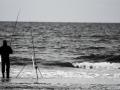 Angler früh morgens