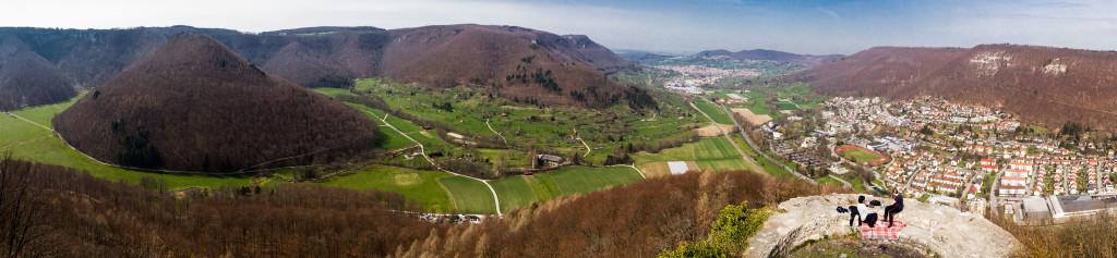 Panorama von der Burgruine Hohenurach aus - 12245x2829 (34,6MP)